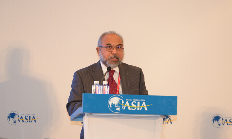 Rastam Mohd Isa speaking at the open session